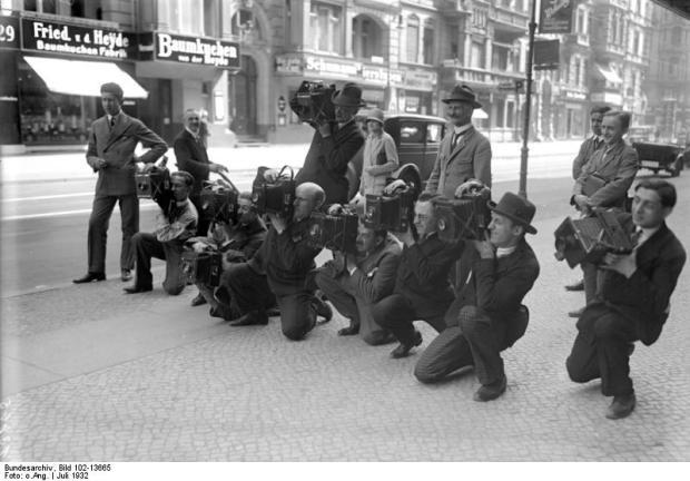 Pressefotografen mit Kameras