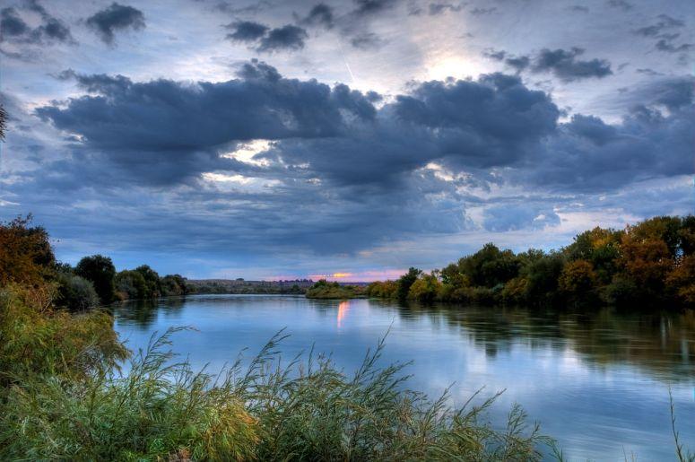 1280px-Snake_River_Sunrise