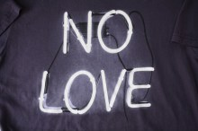 no-love-neon-sign