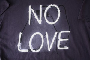 no-love-neon-sign